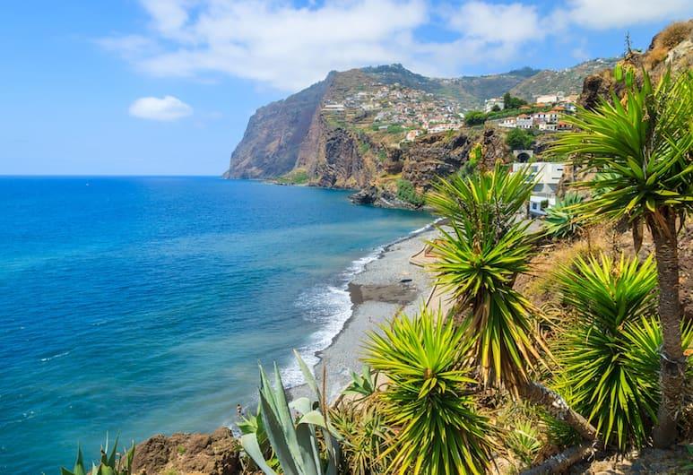 Pestana Royal Premium All Inclusive Ocean & Spa Resort, Funchal, Strand