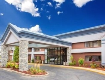 Picture of Baymont Inn & Suites Madison West in Madison