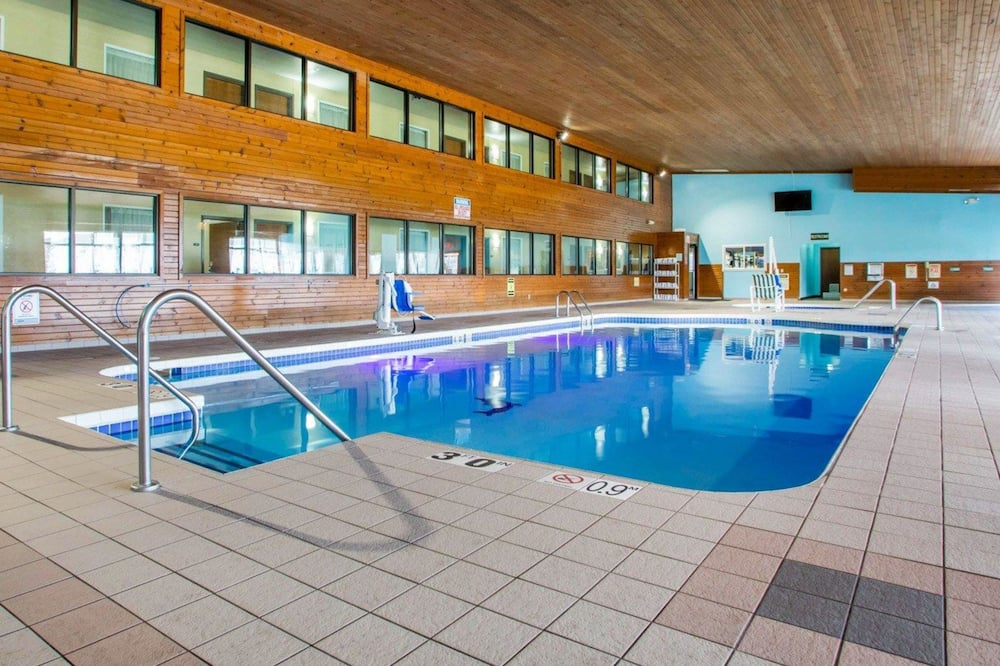 Dobbeltrom – standard, 2 dobbeltsenger, ikke-røyk, utsikt mot basseng - Svømmebasseng