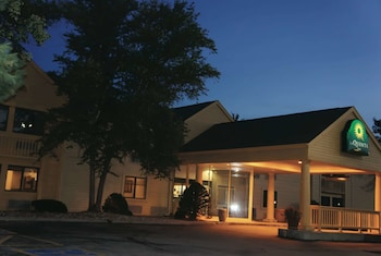Picture of La Quinta Inn by Wyndham Omaha Southwest in Omaha