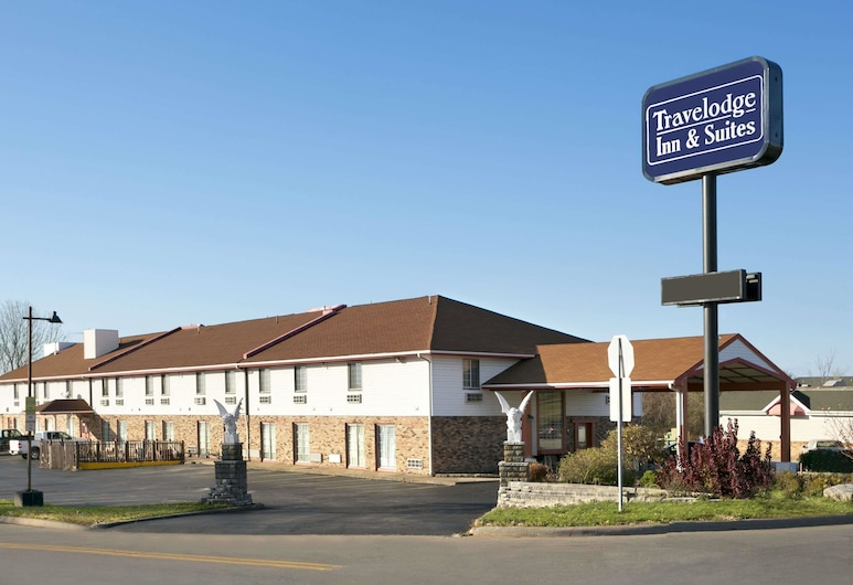 Travelodge Inn & Suites by Wyndham Muscatine, Muscatine
