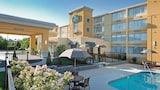 Reserve this hotel in Manchester, New Hampshire