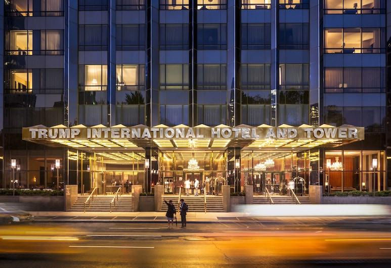 Trump International Hotel & Tower New York, Nova Iorque, Fachada do Hotel