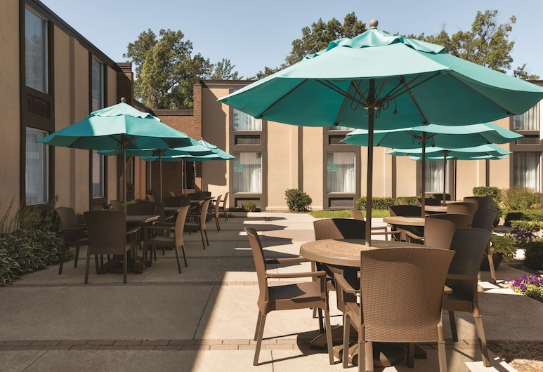 Country Inn & Suites by Radisson, Traverse City, MI, Traverse City, Terrasse/veranda