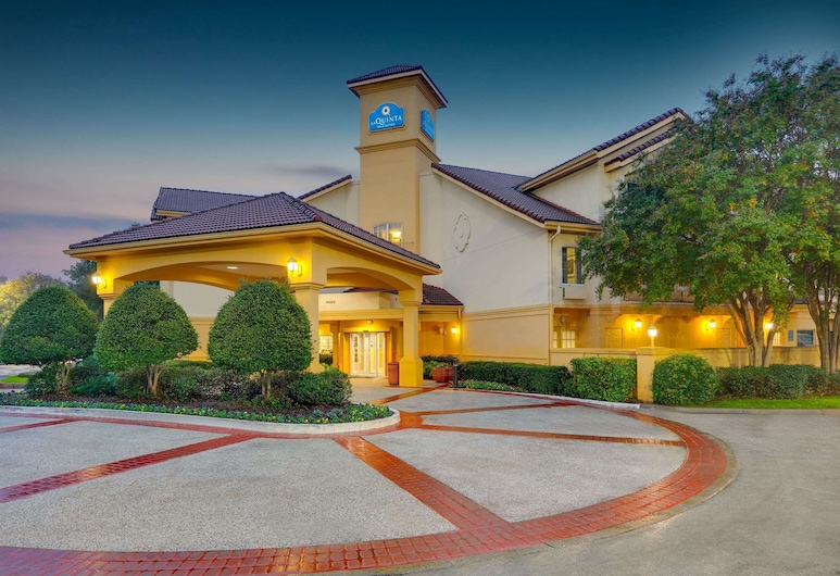 La Quinta Inn & Suites by Wyndham Dallas - Addison Galleria, Dallas