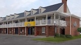 Reserve this hotel in Auburn, Indiana