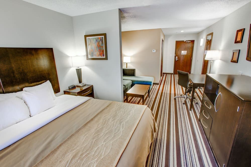 Room, Multiple Beds, Non Smoking - Living Area