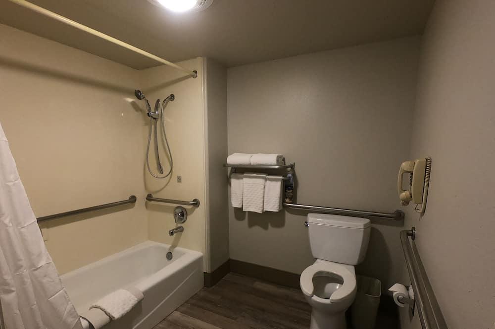 套房, 1 張特大雙人床, 無障礙, 浴缸 - 浴室