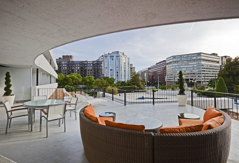 Washington Plaza, Washington, Suite, 1 King Bed (Lapidus), Guest Room View
