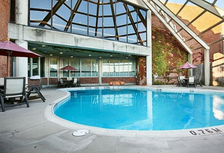 Best Western Royal Brock Hotel & Conference Centre, Guelph, Piscina al aire libre
