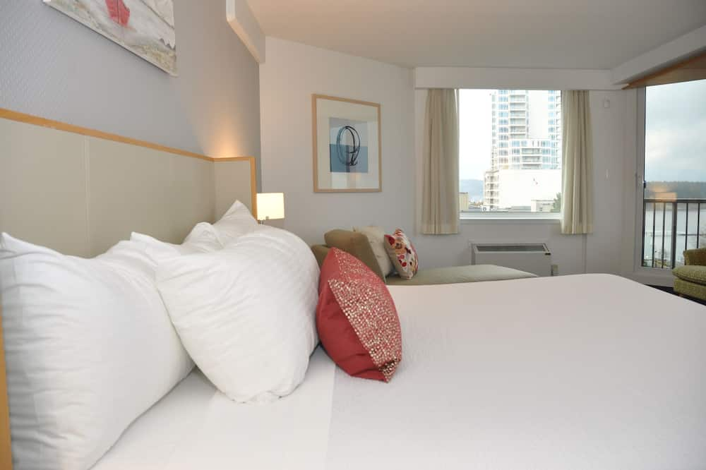 Premium Room, 1 King Bed (Coast King) - Guest Room