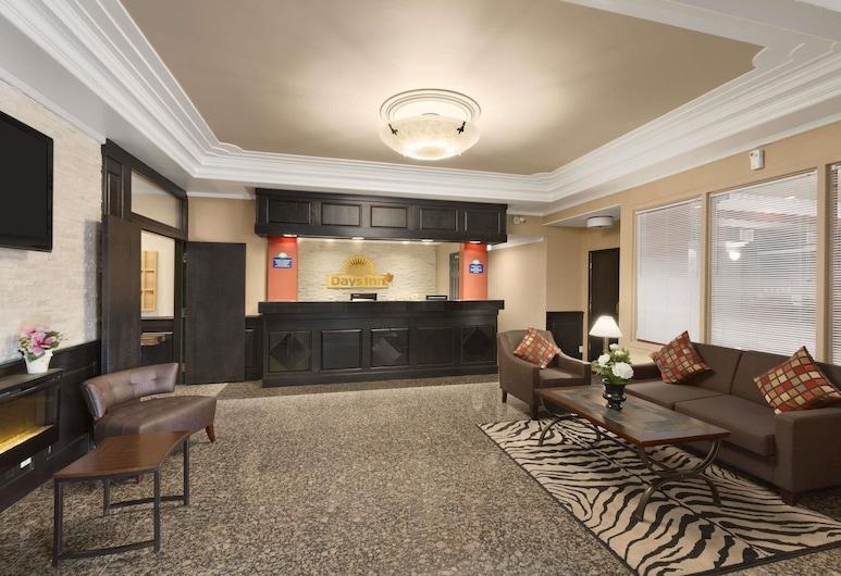Days Inn by Wyndham Terrace, Terrace, Lobby