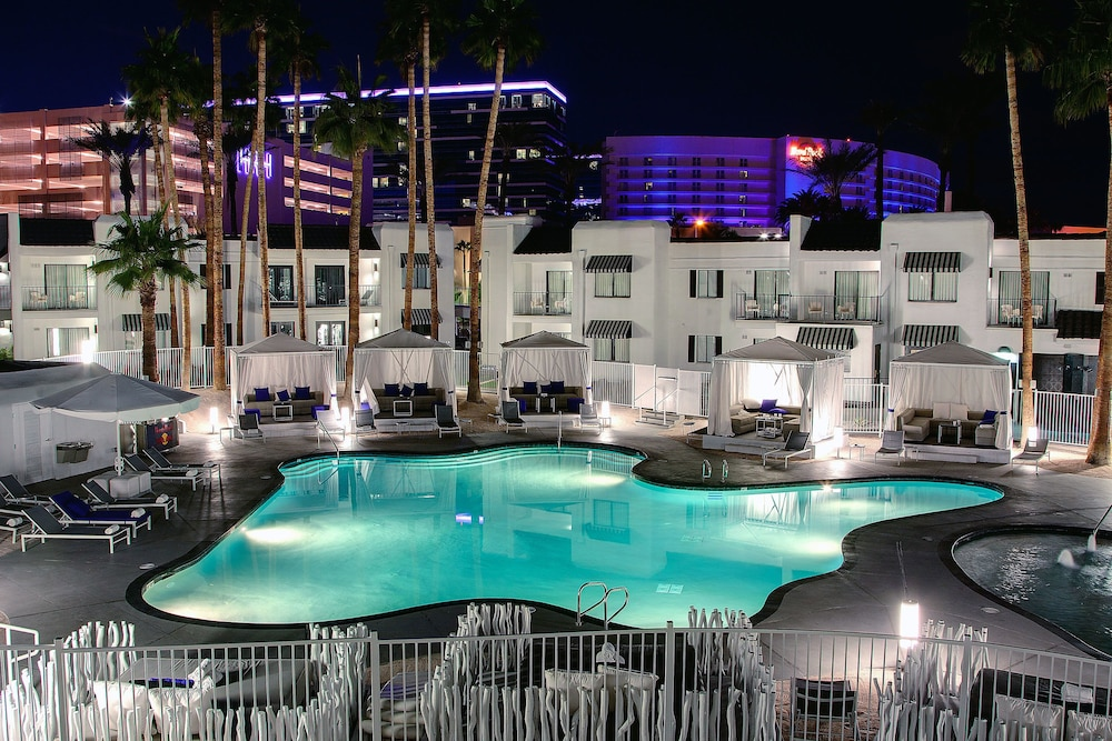 Book rumor boutique hotel las vegas from 28 night for Boutique hotels usa