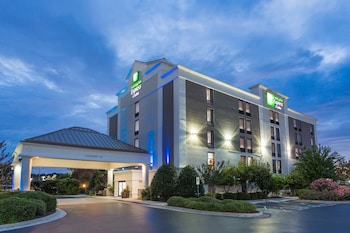 Picture of Holiday Inn Express Hotel & Suites Wilmington-University Ctr in Wilmington