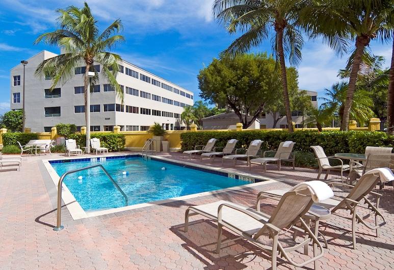 Holiday Inn Express & Suites Kendall East Miami, Miami, Pool