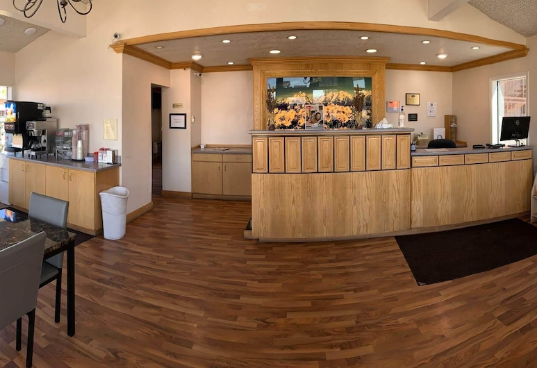 Econo Lodge Inn & Suites, Winnemucca, Lobby