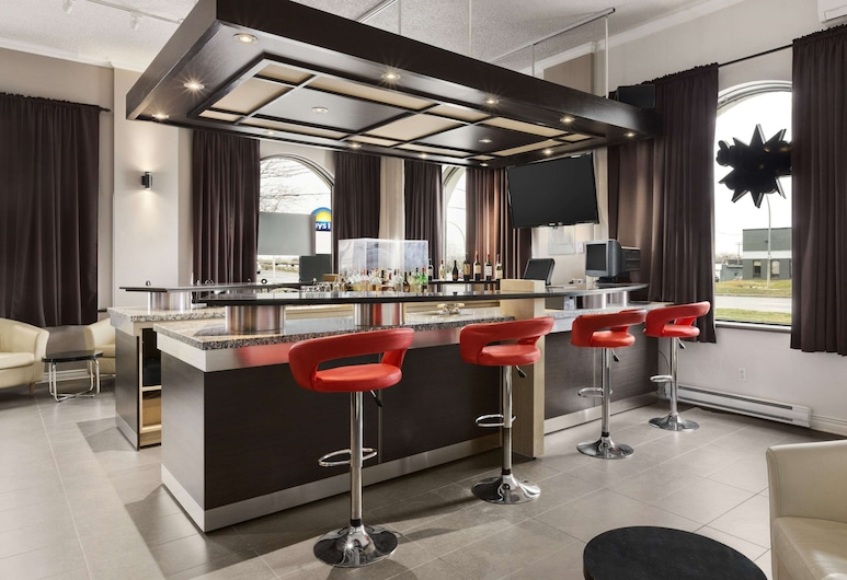 Days Inn & Conference Centre by Wyndham Montreal Airport, Montreal, Hotel Bar