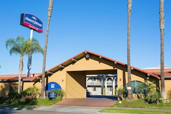 Picture of Howard Johnson by Wyndham National City/San Diego South in National City