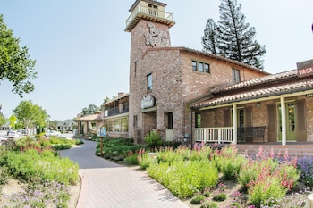 Picture of Paso Robles Inn in Paso Robles