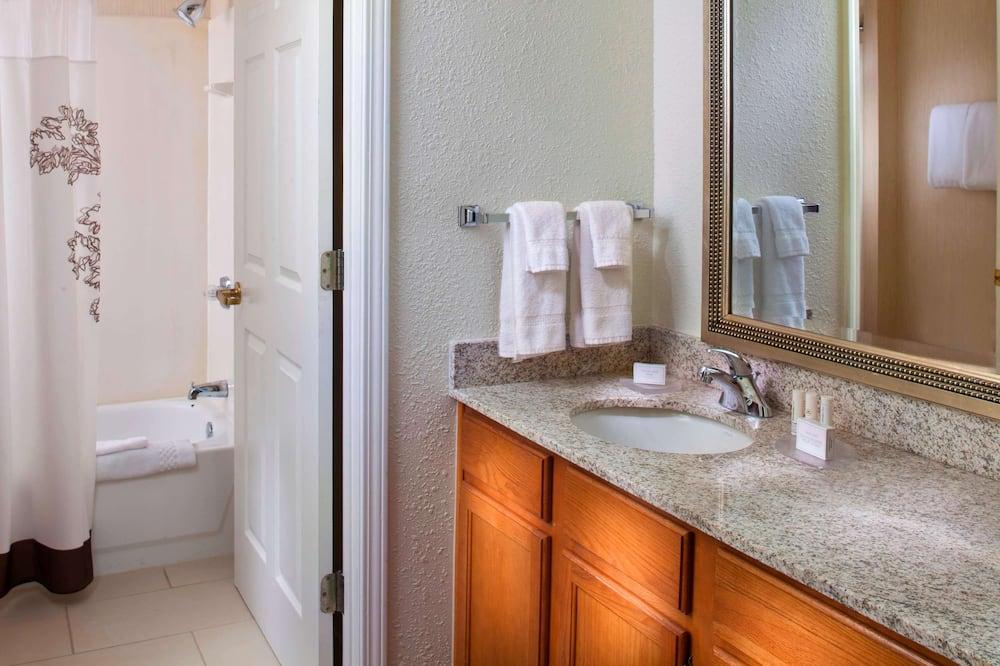 Suite, Multiple Beds (Two Bedroom) - Bathroom