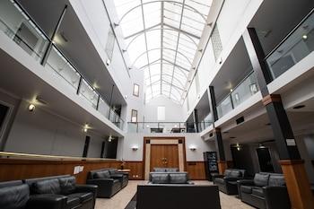 Фото Madison Capital Executive Apartments в в Канберре