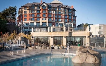 Picture of Oak Bay Beach Hotel in Victoria