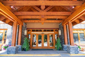 תמונה של Banff Ptarmigan Inn בבאנף
