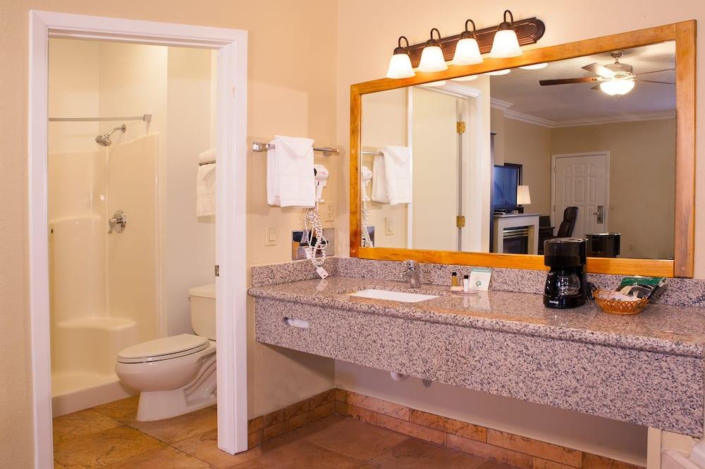 豪華客房, 1 張特大雙人床, 按摩浴缸 - 浴室