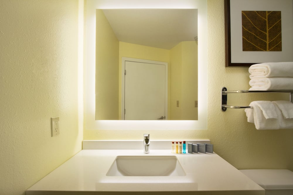 Studio Suite, 1 Queen Bed, Non Smoking - Bathroom