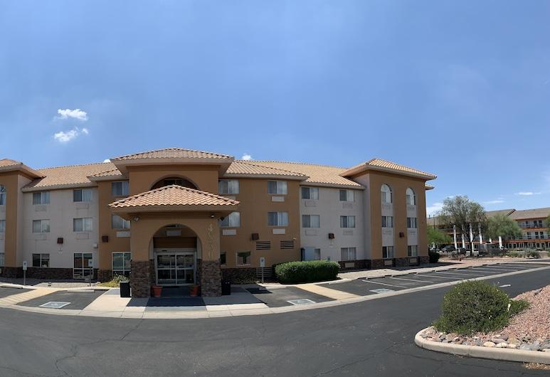 Comfort Inn & Suites near Kino Sports Complex, טוסון, חזית המלון