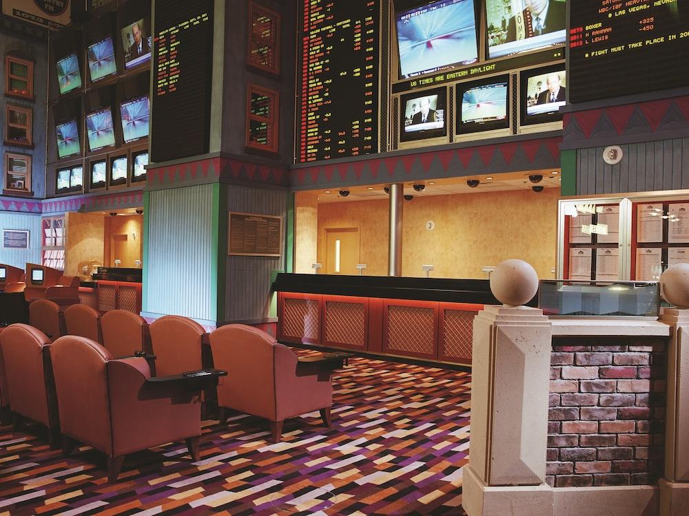 Book New York-New York Hotel & Casino In Las Vegas