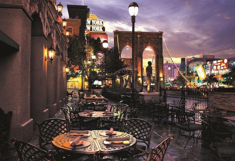 New York-New York Hotel & Casino, Las Vegas, Outdoor Dining
