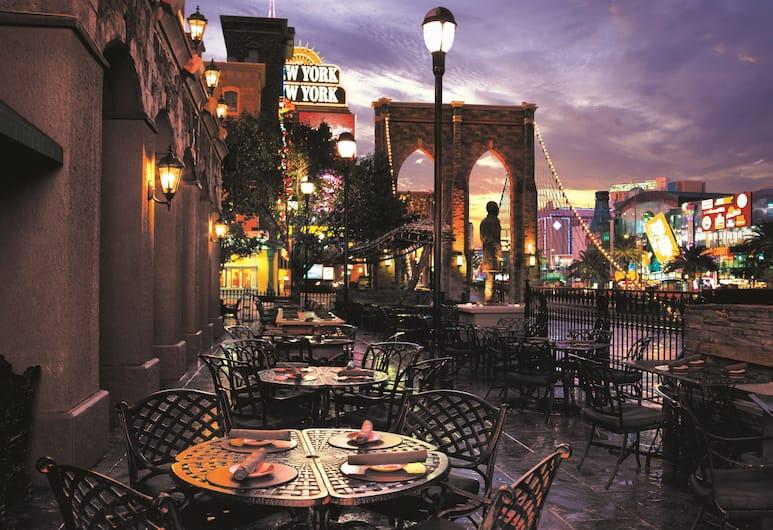 New York-New York Hotel & Casino, Las Vegas, Outdoor Dining