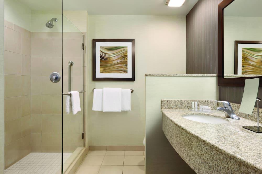 Zimmer, 2Queen-Betten, Nichtraucher - Badezimmer