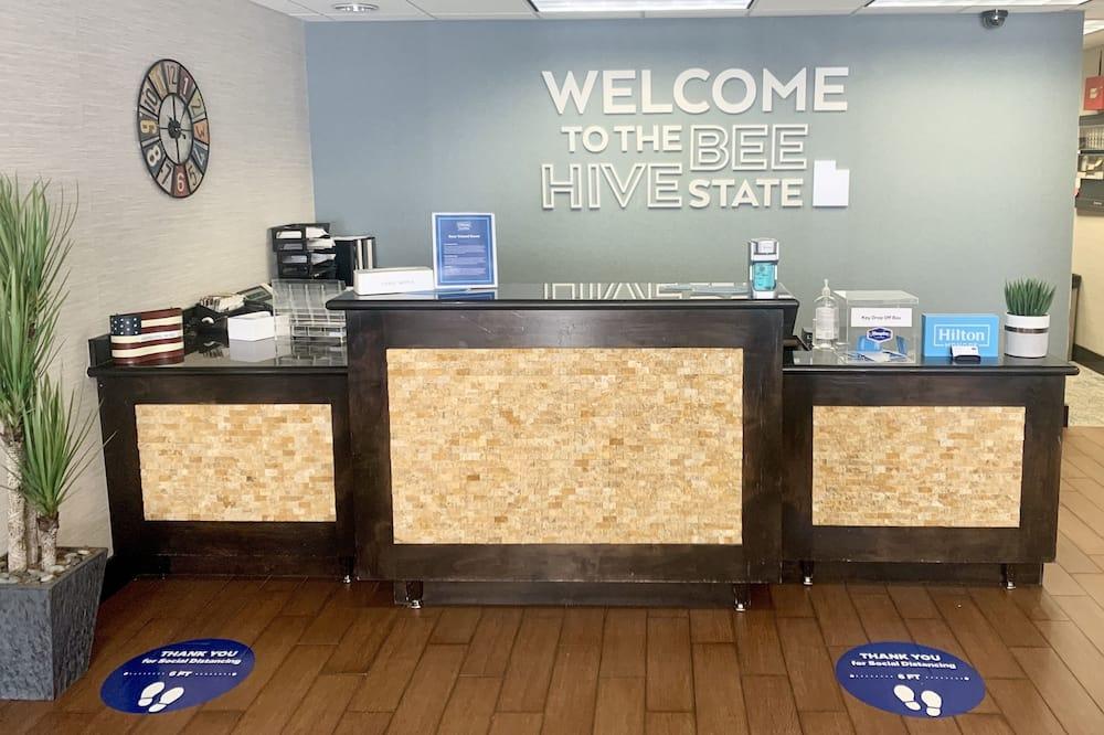 مكتب الاستقبال