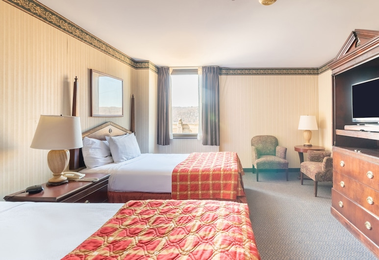 The Mclure Hotel & Conference Center by OYO, וילינג, חדר פרימיום, 2 מיטות זוגיות, חדר אורחים