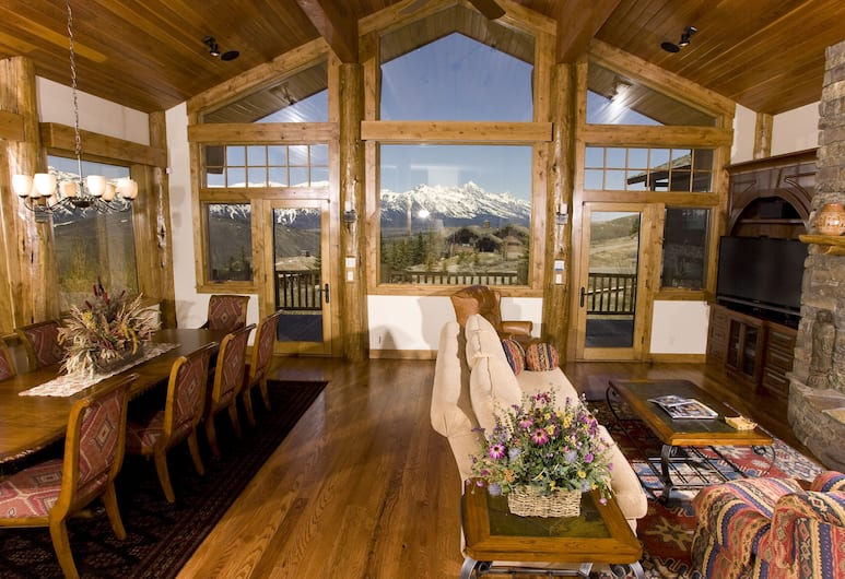 Spring Creek Ranch, Jackson, Luxury House, 4 Bedrooms, Mountain View, Living Area