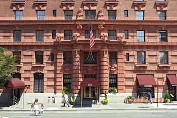 Picture of The Lucerne Hotel in New York