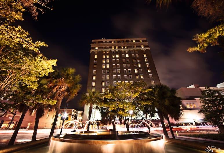 The Francis Marion Hotel, Charleston, Esterni