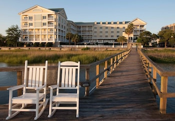 Picture of Courtyard Charleston Waterfront by Marriott in Charleston