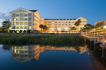 תמונה של Courtyard Charleston Waterfront by Marriott בצ'רלסטון