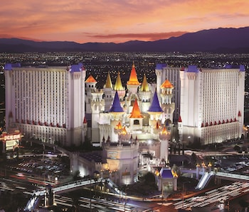 15 Closest Hotels to Park Theater in Las Vegas | Hotels com