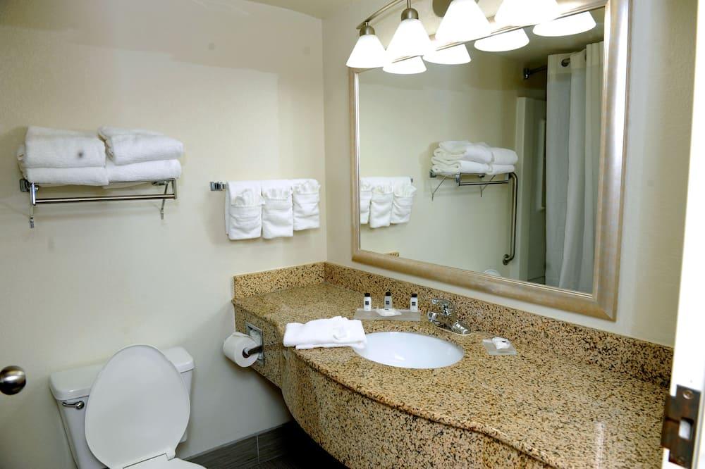 Premium Suite, 2 Double Beds, Non Smoking, Kitchenette - Bathroom