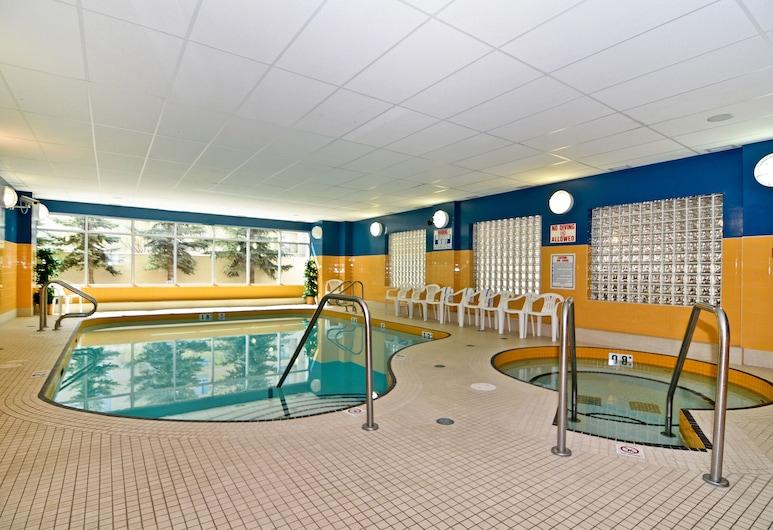 Econo Lodge Inn & Suites University, Calgary, Piscina cubierta