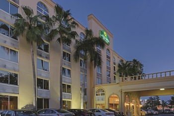 Picture of La Quinta Inn & Suites West Palm Beach I-95 in West Palm Beach