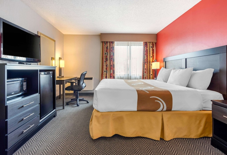 Quality Inn & Suites, Mississauga, Guest Room