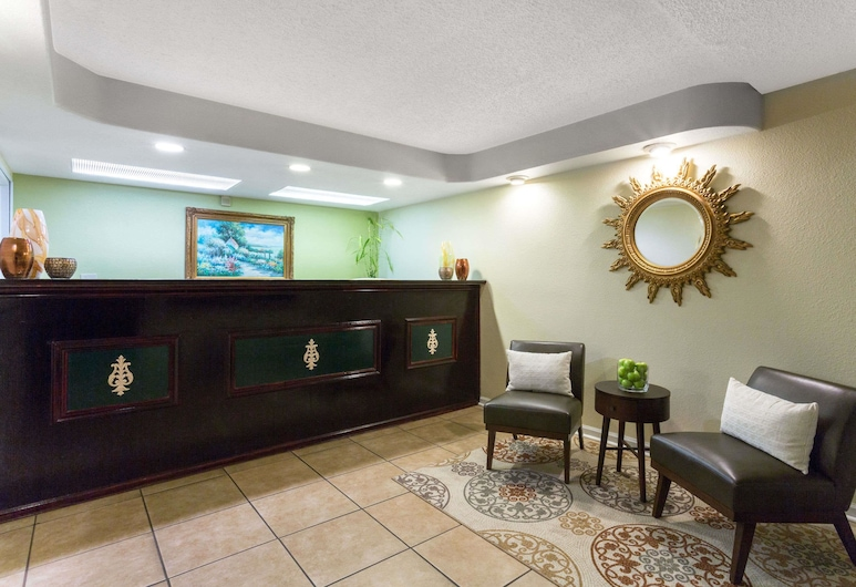 Howard Johnson by Wyndham Tallahassee, Tallahassee, Vestibyle