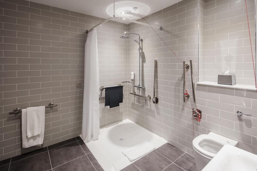 Room, 1 Double Bed, Accessible (Wheelchair) - Bathroom
