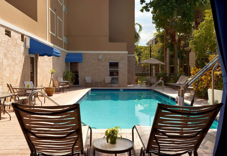 Hampton Inn & Suites Ft. Lauderdale Arpt/So. Cruise Port, FL, Hollywood, Pool