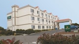 Choose This Business Hotel in Davis -  - Online Room Reservations